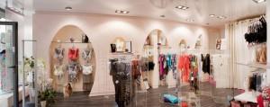 Haguenier Tapisserie Décoration habille et réalise la boutique de lingerie Poudre de riz