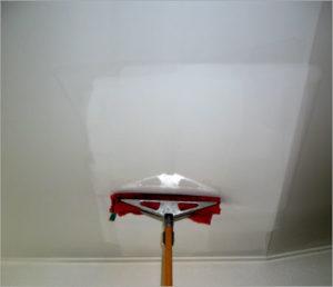 Haguenier nettoyer votre plafond tendu