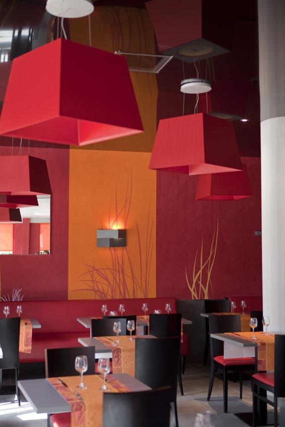 Plafond tendu restaurant 1 haguenier for Nettoyage plafond tendu