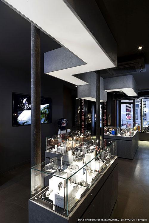 plafond tendu clair pour boutique branch e. Black Bedroom Furniture Sets. Home Design Ideas