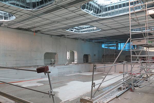 Plafond tendu pour la piscine aquazena du fort d 39 issy for Piscine issy les moulineaux
