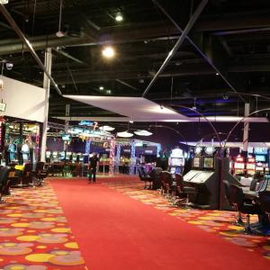 Cadre en toile translucide au Seven Casino