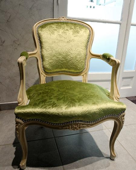 Fauteuil Louis XV vert